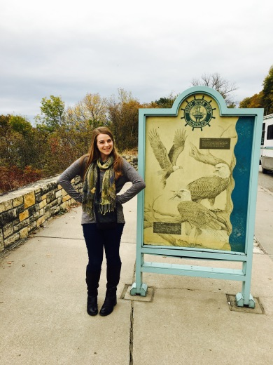 Olivia along the Great River Road